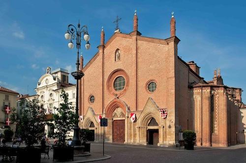 Asti, la messa domenicale del vescovo Marco: la diretta streaming