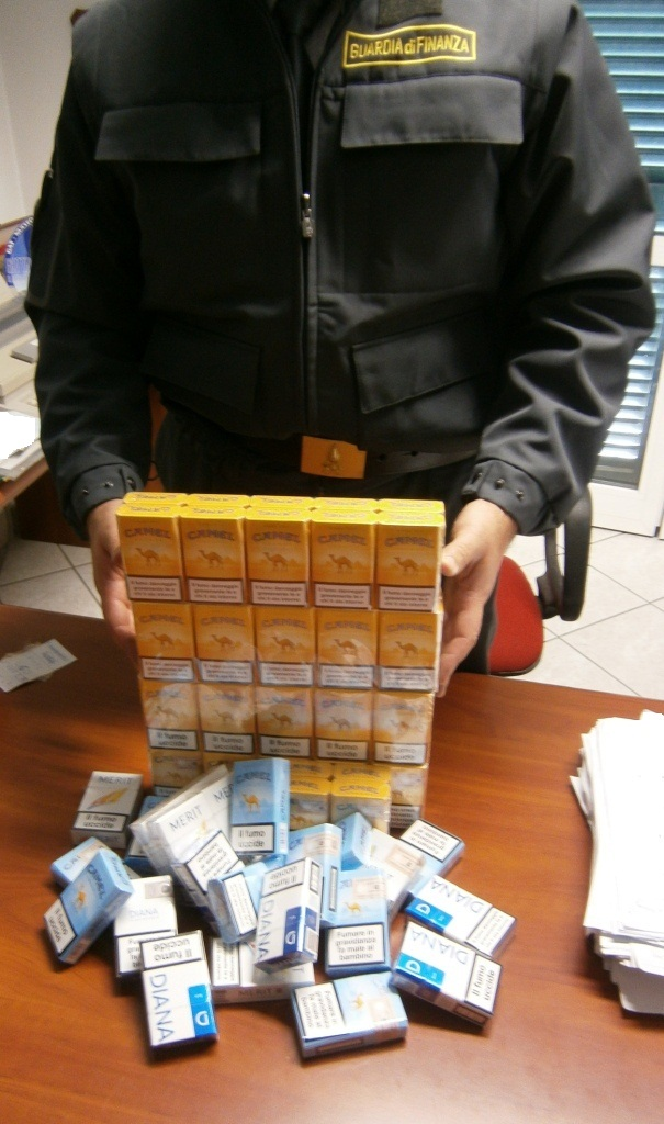 La finanza di Nizza Monferrato scopre commerciante che vendeva illegalmente sigarette