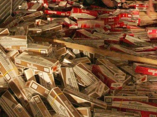Ladri di sigarette in via Petrarca