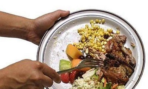 In Douja Angela Motta e lo chef Ugo Alciati parleranno di sprechi alimentari