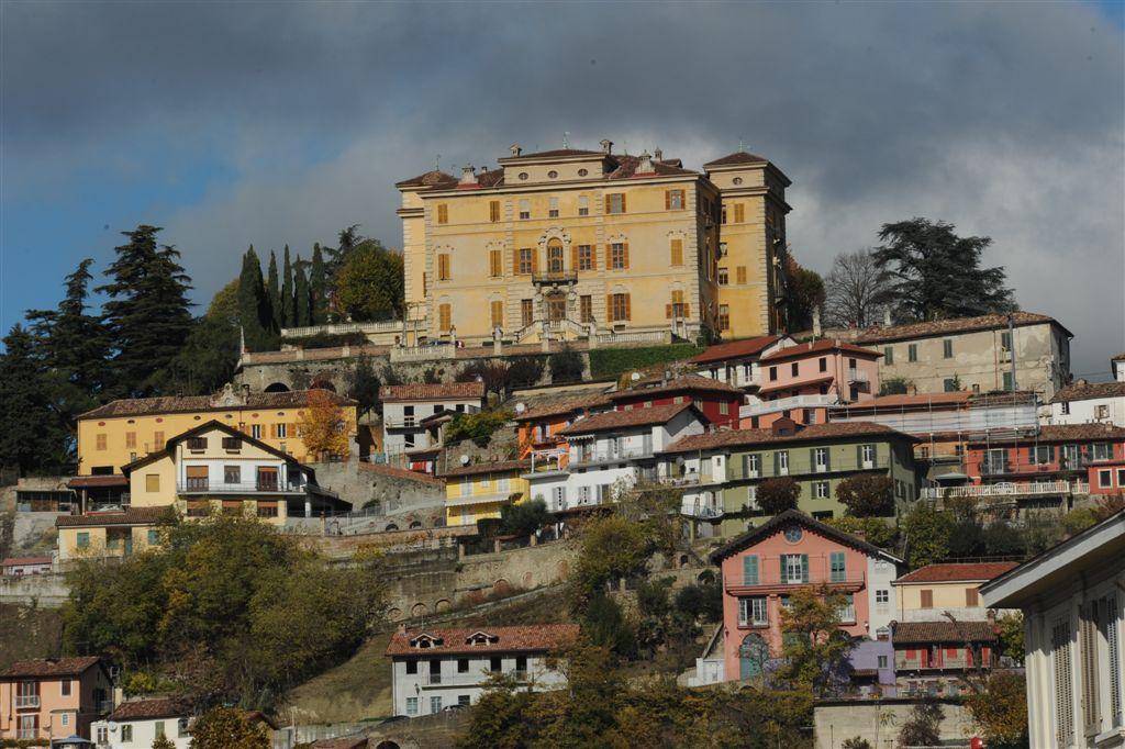 """Mostra di pittura organizzata dalla Biblioteca Monticone nell'ambito di """"Canelli città del vino"""""""