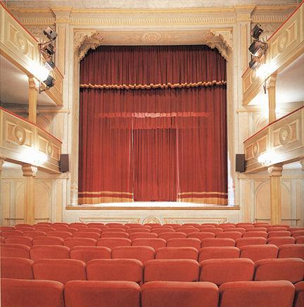 Otto spettacoli in cartellone e due eventi fuori abbonamento per la stagione di prosa al teatro di Moncalvo
