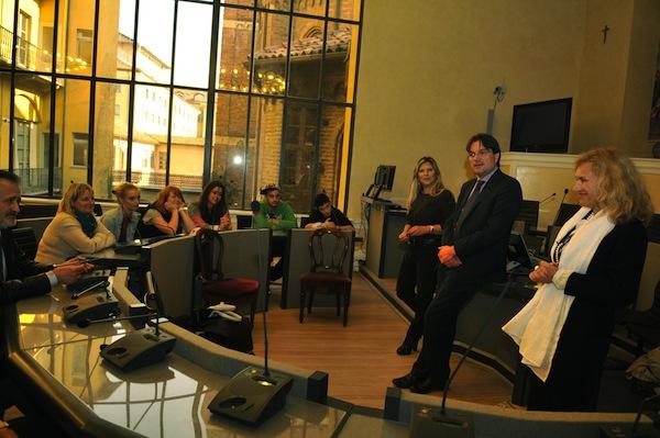 Docenti del Vercelli e studenti del progetto Self Eva della Cee ricevuti in Municipio