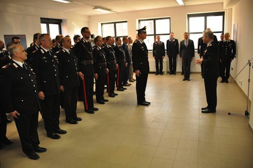 Il generale Giuliani in visita ai carabinieri di Asti