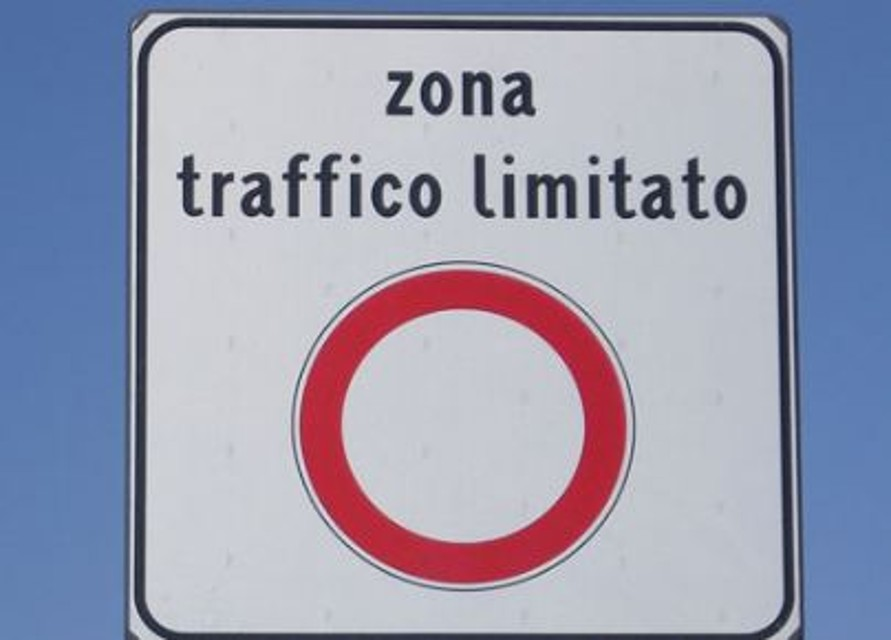 """""""Cattedrale"""" e """"Del Varrone"""": le nuove zone a traffico limitato di Asti"""