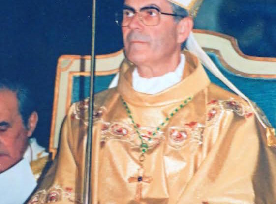 Papa Francesco scrive al vescovo Ravinale per i 50 anni di ordinazione presbiterale
