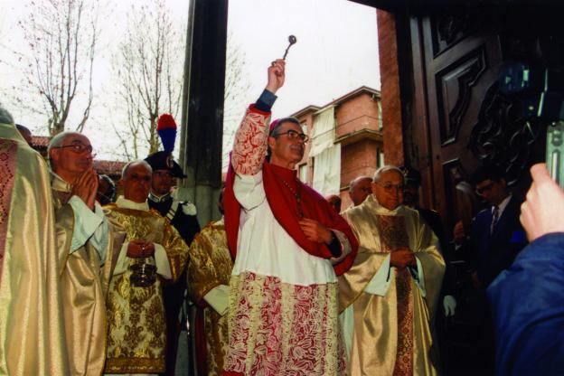 Il vescovo Ravinale compie 50 anni di ordinazione presbiterale: la fotogallery