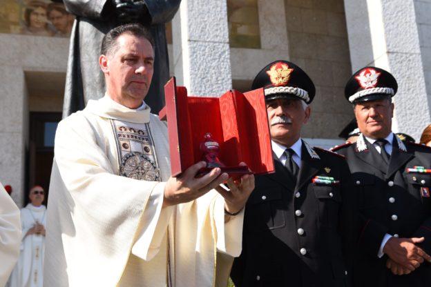 La reliquia di Don Bosco è tornata al Colle