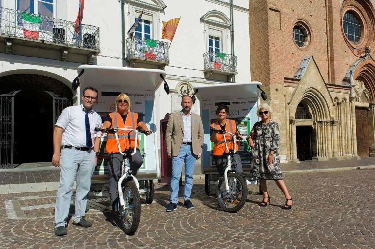 """Arrivano i """"T-Riciclo"""" ecologici per pulire il centro storico di Asti"""