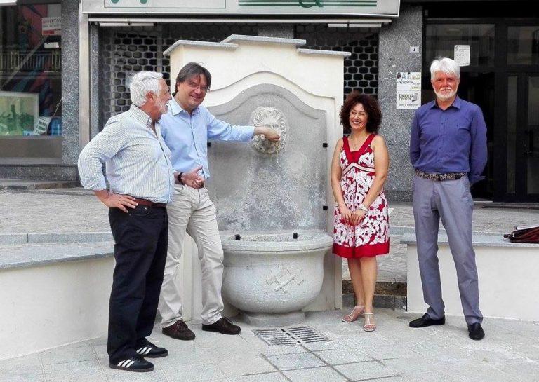 Accesa la fontana in via Fontana