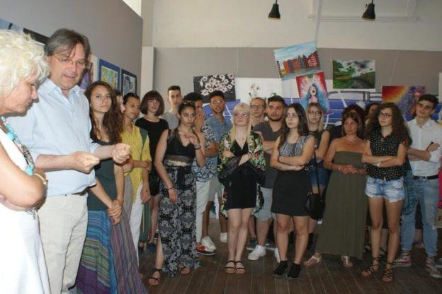 """Fino all'11 giugno aperta a Palazzo Ottolenghi la mostra """"Murales per il Movicentro"""""""
