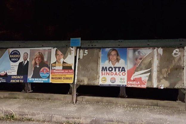 """Ad Asti la """"guerra"""" dei manifesti elettorali"""