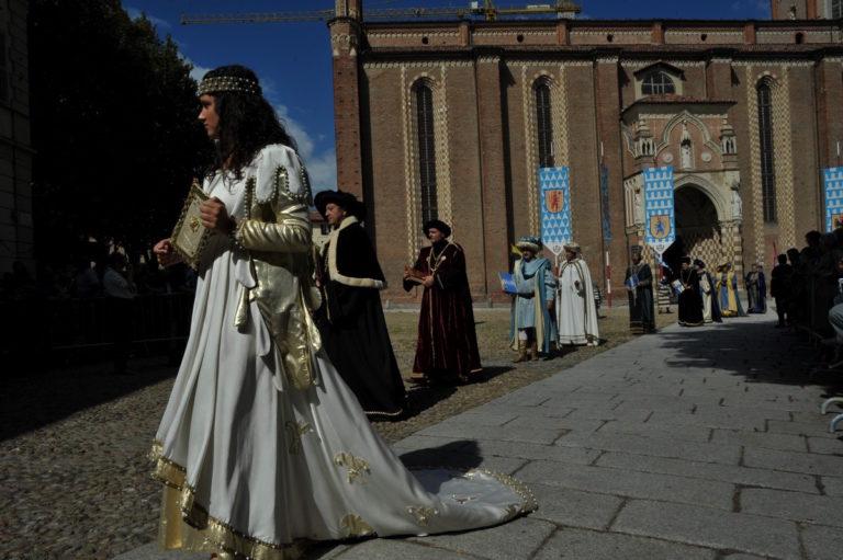 Tutto pronto per la sfilata del Palio: ecco i temi dei borghi e dei rioni