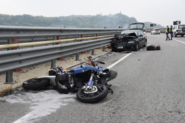 Motociclista muore sulla tangenziale di Asti