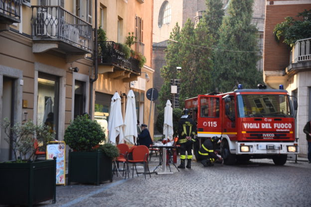 Incendio in un bar di piazza Statuto