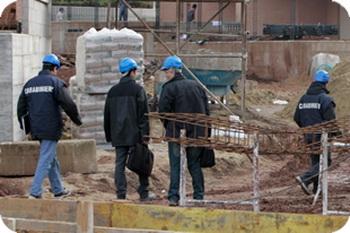 Controllo dei carabinieri in un cantiere edile di Villanova