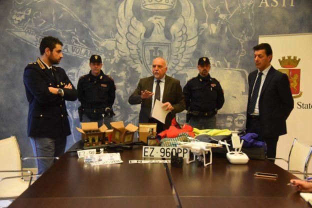 Un bazar della refurtiva ad Asti: il video della polizia