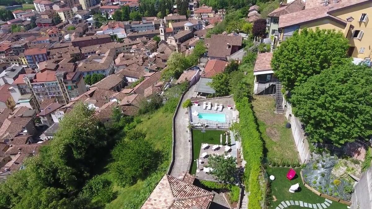 Menzione al concorso la fabbrica del paesaggio per il for Villa del borgo canelli