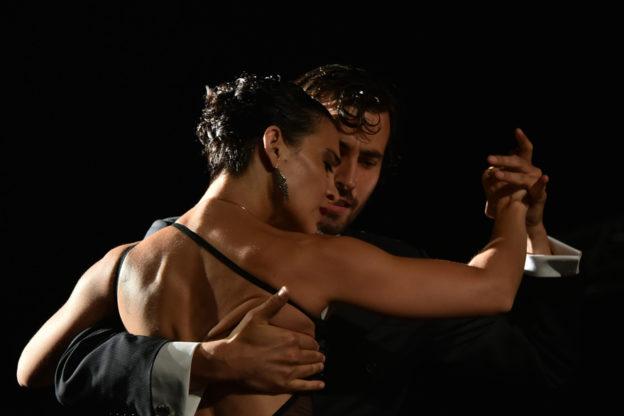 Sabato 3 febbraio l'atteso appuntamento con Tango Historias de Amor al Teatro Alfieri