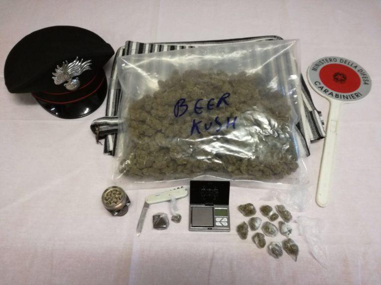 Non solo caffè e aperitiva, a  Calosso il bar riforniva anche marijuana: arrestato il titolare
