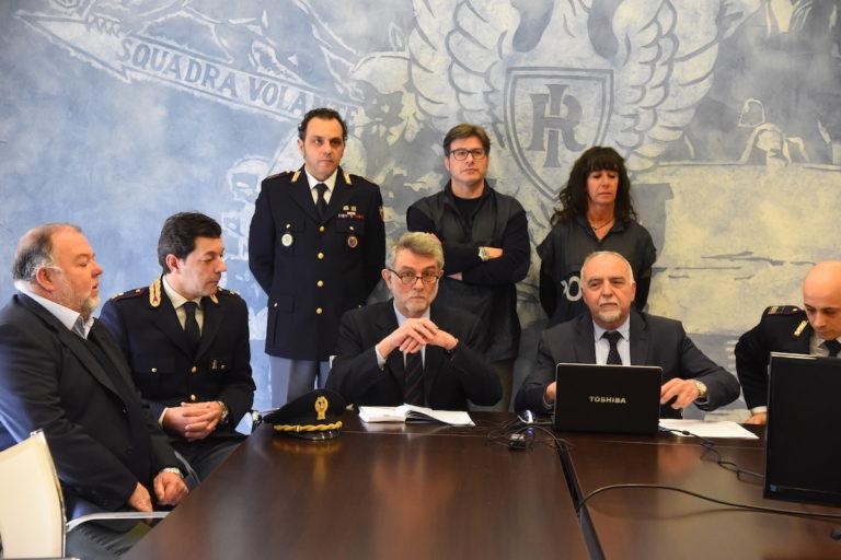 Spacciavano eroina e cocaina nelle maggiori piazze di Asti: 19 persone nei guai