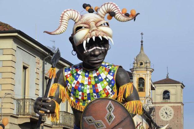 A Chivasso il Gran Carnevale della Bela Tolera con 60 gruppi in maschera
