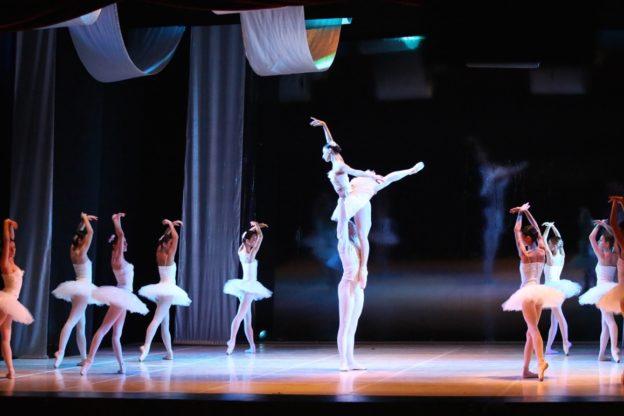 Il Balletto di Milano debutta ad Asti con il Lago dei Cigni