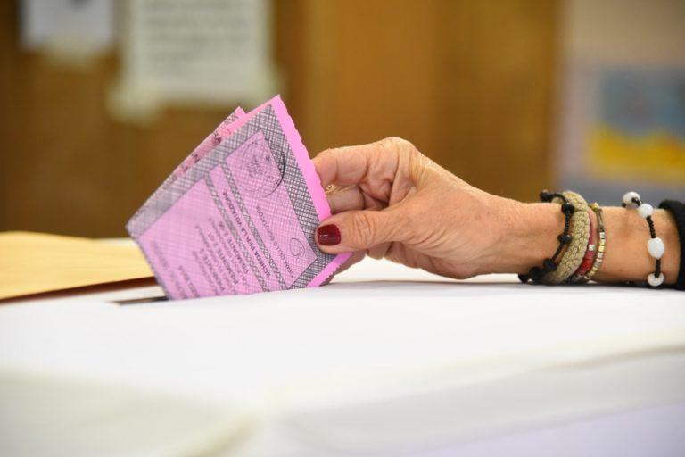 Italia al voto. Nell'Astigiano buona affluenza e code ai seggi: la fotogallery