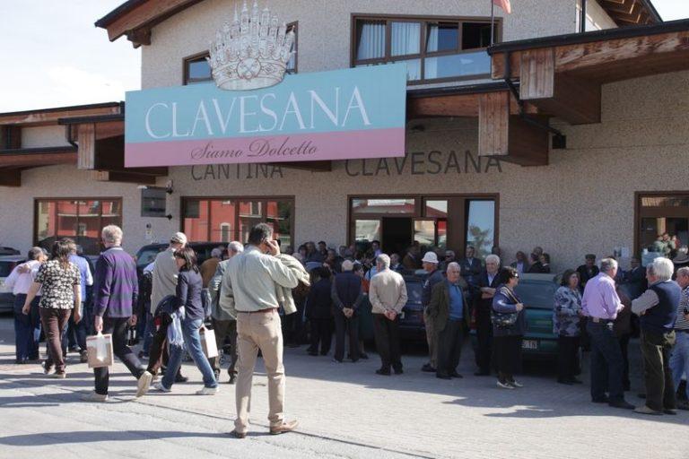 """Un brindisi con il """"vino nuovo"""" accoglie la primavera alla Cantina di Clavesana"""
