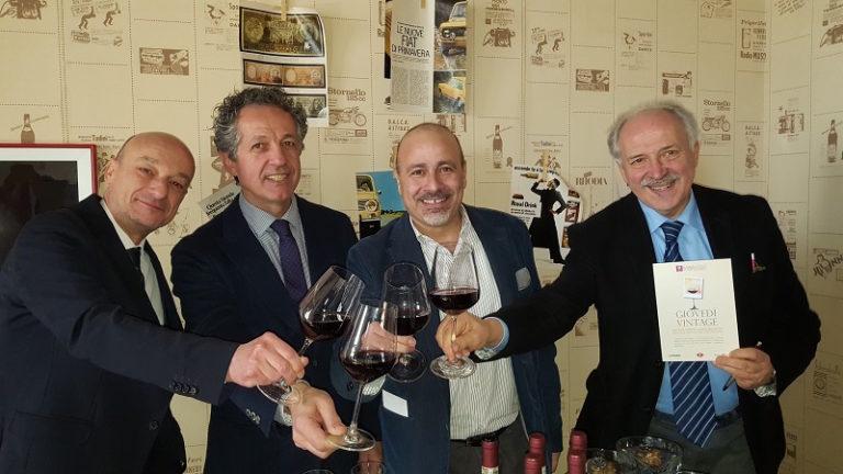 Giovedì Vintage, cinque serate alla scoperta dei vini da vitigni autoctoni del Monferrato in 27 ristoranti dell'Astigiano