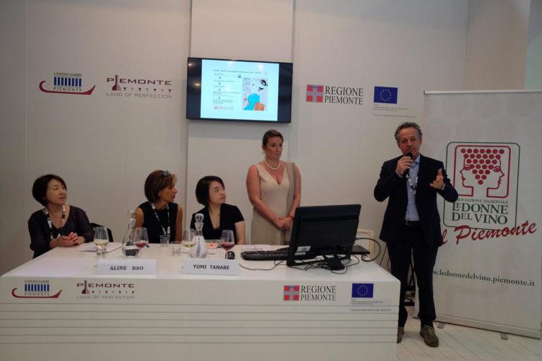 Vino e mercati asiatici: a Vinitaly nello spazio della Regione Piemonte
