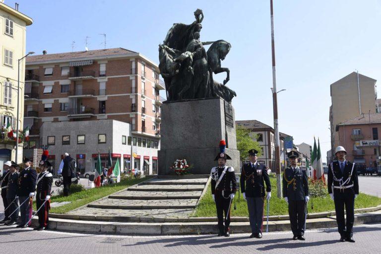 Cortei, commemorazioni e canzoni, ad Asti si festeggia la Liberazione: la fotogallery