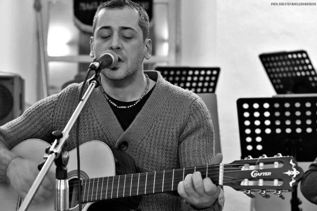 """Mauro Carrero canta Beppe Fenoglio: presentazione del libro-cd alla libreria """"Alberi d'Acqua"""""""
