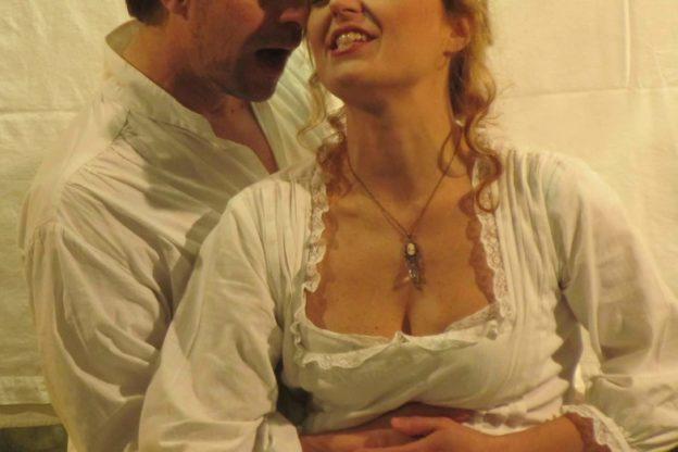 """""""La locandiera"""" chiude la stagione al Teatro Civico di Moncalvo"""
