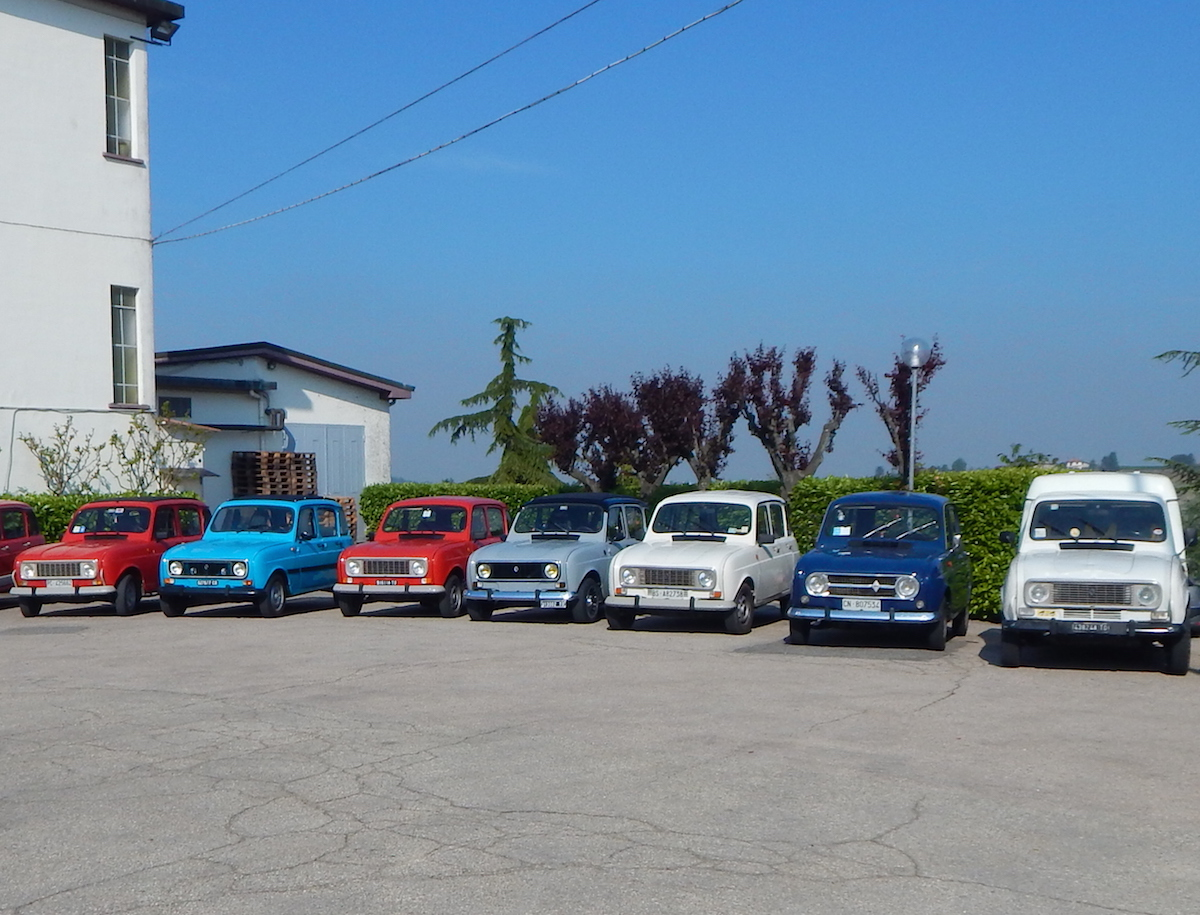 Renault 4 e 2 cavalli protagoniste di un week end nel monferrato gazzetta d 39 asti - Cavalli allo specchio ...