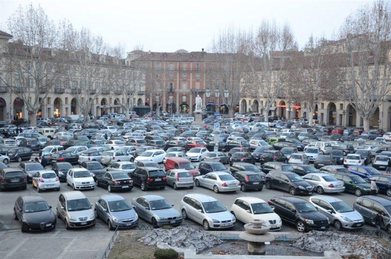 Abbonamenti parcheggio, validità fino al 31 agosto