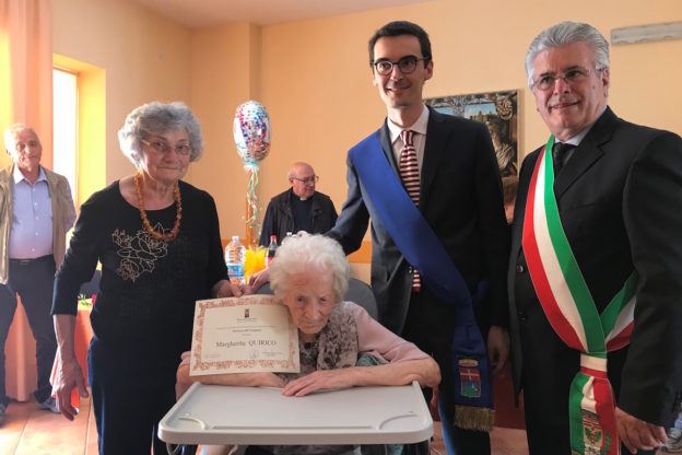 Centenaria astigiana festeggiata a Canale