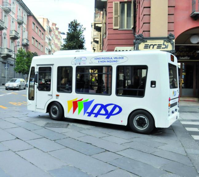 """Angela Motta: """"Con l'aumento delle tariffe sono diminuiti i passeggeri sulle linee dei bus?"""""""