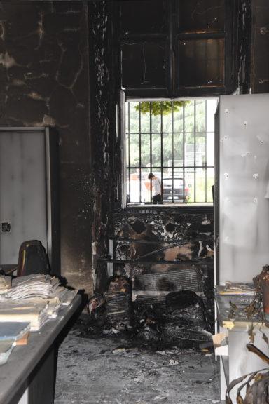 Incendio negli uffici dell'Anagrafe di Asti