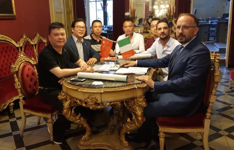 Incontro in Comune l'associazione Immigrati Cinesi Uniti in Piemonte