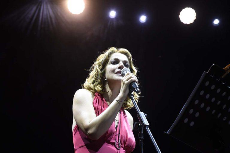 Claudia Gerini e i Solis String Quartert riportano in scena Franco Califano: la fotogallery