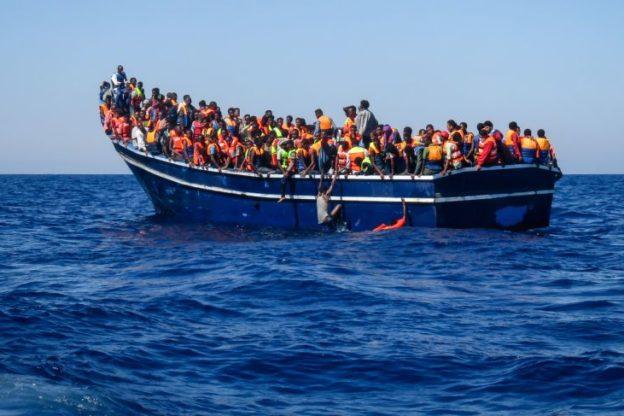 """I vescovi piemontesi sulla situazione dei migranti: """"Non lasciamoci frenare da uno sguardo corto, ma osiamo accettare una sfida di umanità"""""""