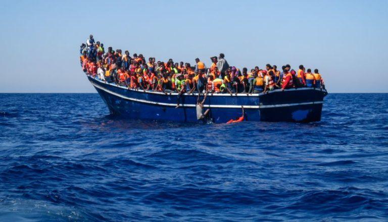 """Migranti. La Cei: """"Non possiamo volgere lo sguardo altrove"""""""