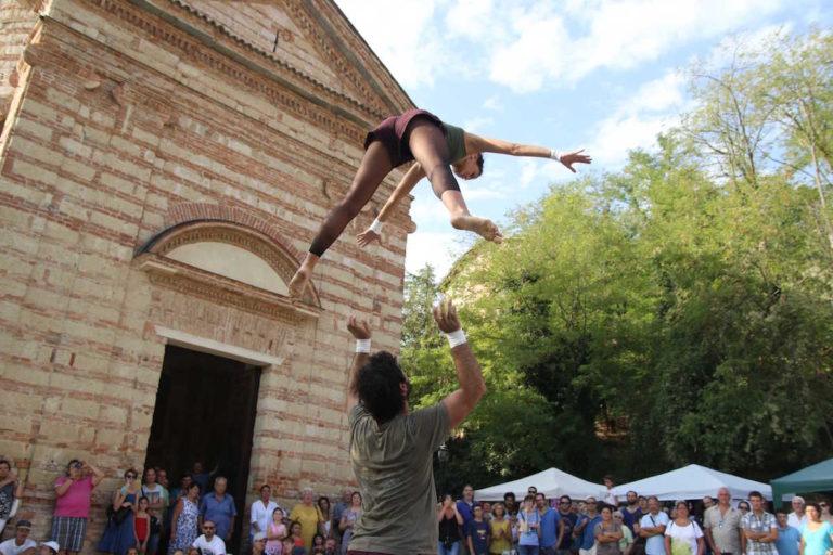 Al via la 28° edizione del Festival di arte di strada e circo contemporaneo  più antico del Piemonte