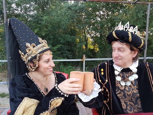 Re Moscato d'Asti e regina Alta Langa per i bianchi, re Barolo e regina Barbera per i rossi: gli scacchi della Douja ad Asti