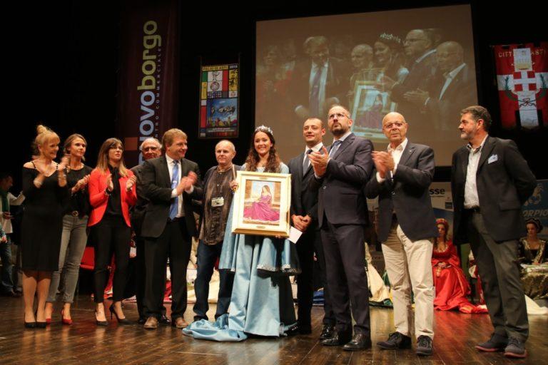 Luna Massarone del Borgo Viatosto è la Damigella del Palio 2018