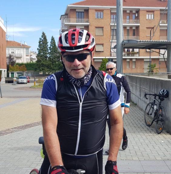 """Successo per la """"pedalata amica"""": oltre 100 ciclisti sulle strade fra Asti e Canelli"""