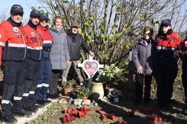 Asti, la comunità di Costigliole ricorda Elena Ceste e apre una sottoscrizione per i suoi figli