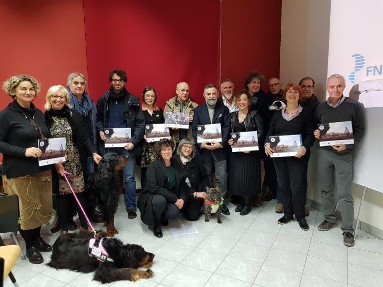 """Asti, i veterinari posano per il """"calendario bestiale 2019"""""""