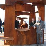 A  Ferrere il belvedere artistico che guarda le colline per immaginare il mare